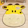 Tapete Infantil Formato Girafa Feliz Ouro 66x76cm - Guga T