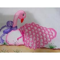 Pano De Prato Pintado Com Cisne Em Crochê