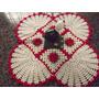 Tapete E Forro De Mesa Grande Crochê Com 4 Flores Vermelhas