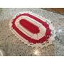 Tapete De Crochê. Vermelho Com Cru. 0,69x0,39cm.