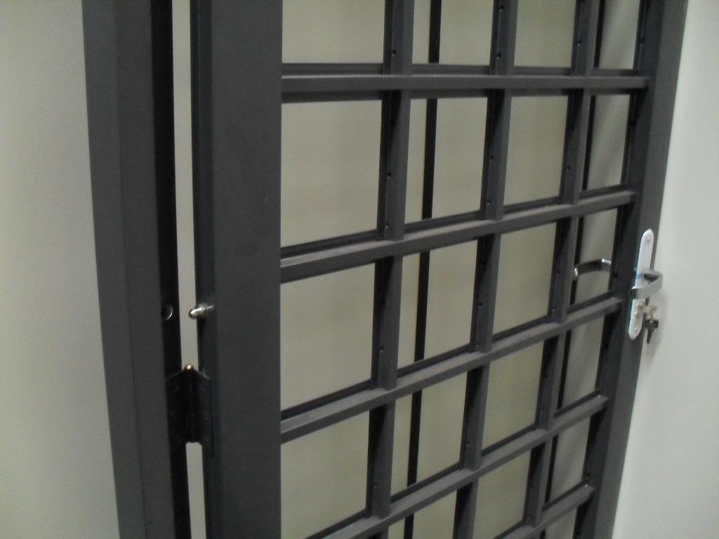 #5D6E6E Trava i Pino De Segurança Para Portas E Janelas De Madeira R$ 38 89  1184 Portas E Janelas De Madeira Em Montes Claros