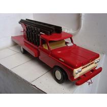 Antigo Caminhão De Madeira Ford De Bombeiro