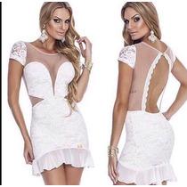Vestido Branco Renda Com Detalhes Em Aberto Nas Costas.