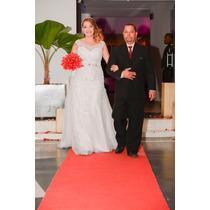 Vestido De Noiva Banco Com Detalhes Em Prata