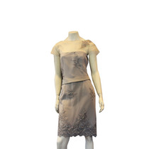 Vestido Renda Aplicação Flores Linha Pura