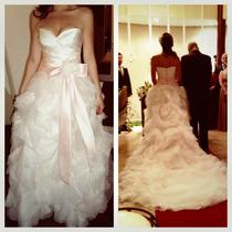 Vestido De Noive Vera Wang E Arranjo De Cabelo