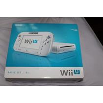Nintendo Wii U + 6 Controles + 3 Nunchuck + 2 Jogos