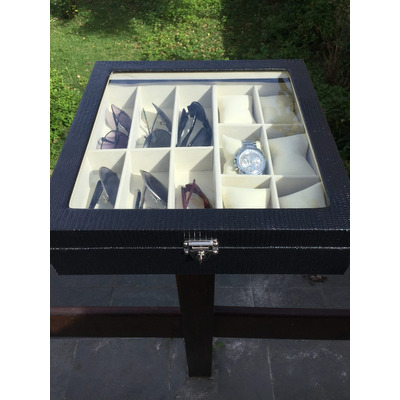 Comprar maleta estojo caixa couro luxo porta 6 rel gios 6 for Porta oculos automotivo