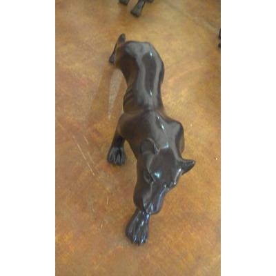 Escultura De Leoa Negra Em Madeira  - Arte Em Madeira em São João Del Rei