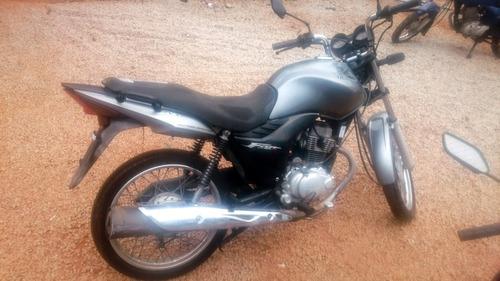 Moto Sucata Fan 150 Injetada Para Retirar Peças