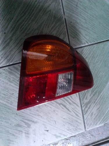 Lanterna Clio Sedan 02 Lado Esquerdo