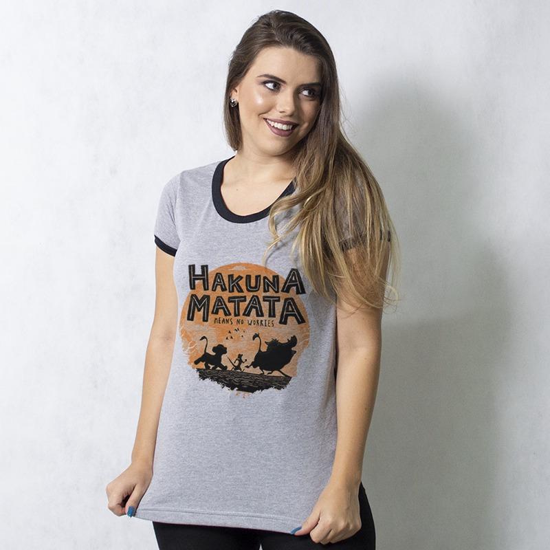 CAMISETA COLLEGE CHUMBO - HAKUNA MATATA