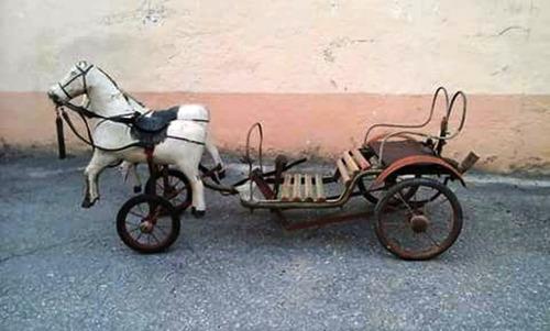 Pedal Car Modelo Charrete 2 Cavalos Rodas Duplas Dianteiras