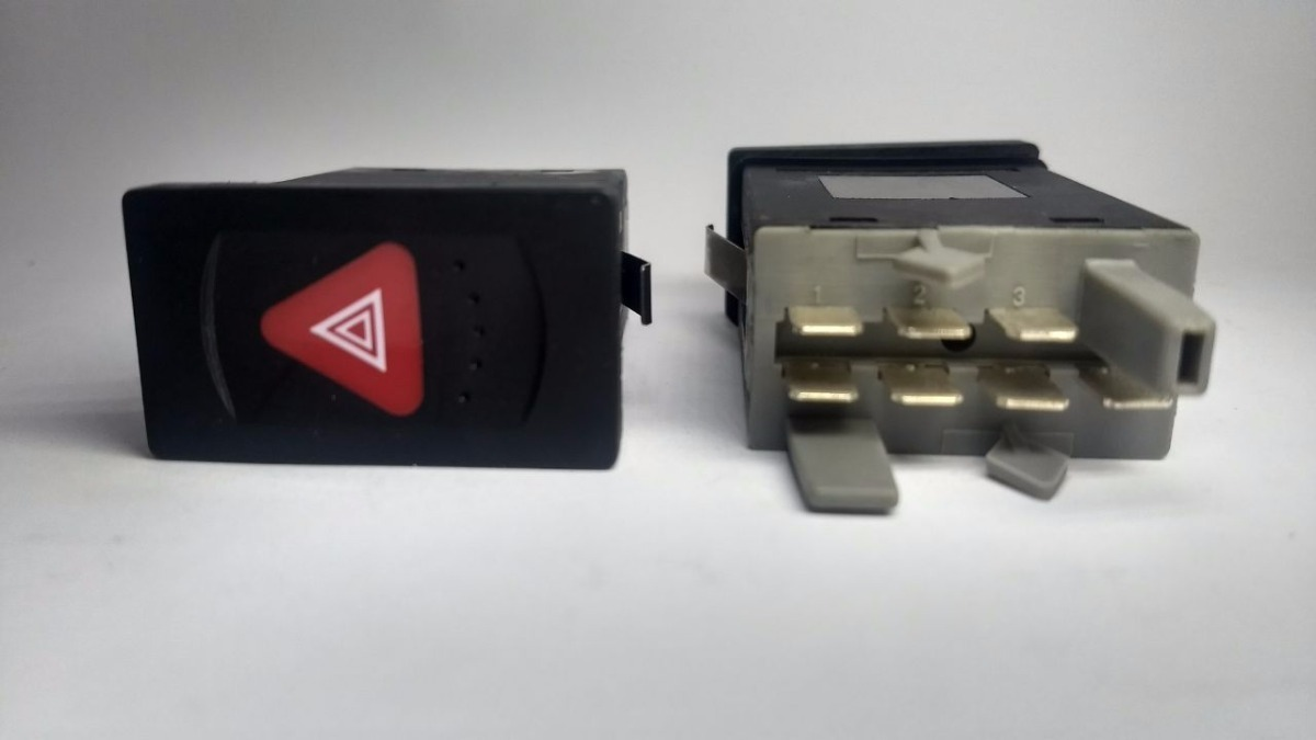 Botão Interruptor Pisca Alerta C/ Relê Passat Alemão  M2615