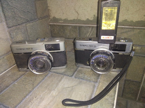 Duas Máquinas Fotográficas Olympus Trip 35