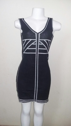 Vestido Tricô  Curto Cavado Original