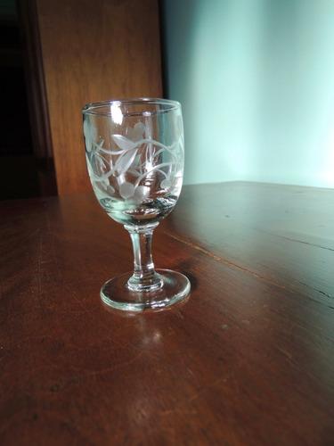 Antiga Taça Em Cristal Lapidada 7,5cm Altura