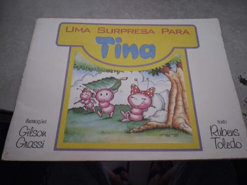 Livro Uma Surpresa Para Tina Original